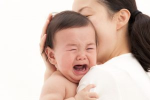 Trẻ sinh mổ dễ bị dị ứng? 1