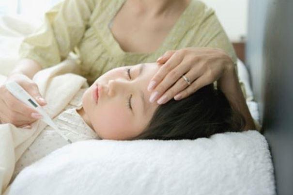 Triệu chứng của viêm mũi dị ứng ở trẻ 1