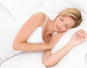 Kê gối cao khi ngủ 1