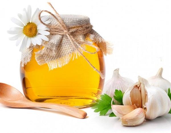 2. Dùng mật ong nguyên chất 1