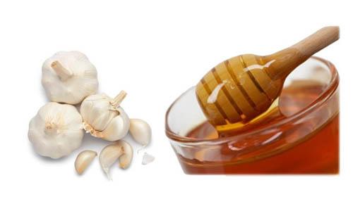 Dùng tỏi và mật ong 1