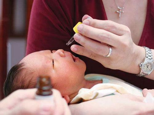 Phải làm gì khi trẻ bị chảy nước mũi, ngạt mũi? 1